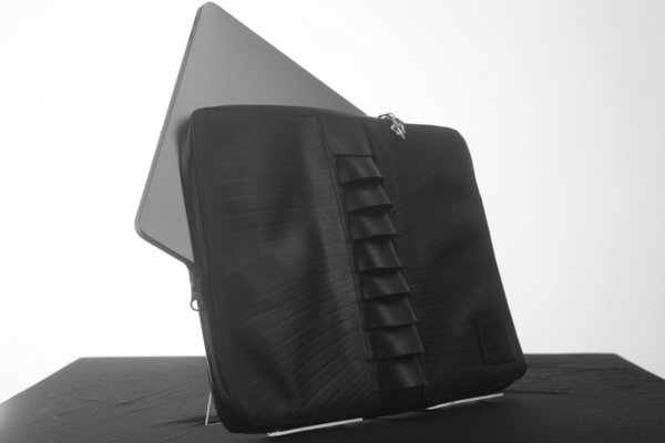 Extrinsic Laptopcase
