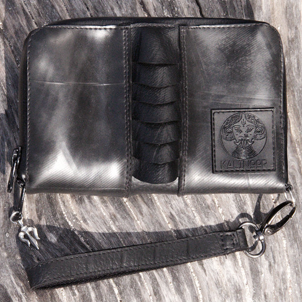 Razor Edge Purse or Tabakpouch